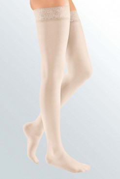 mediven-elegance-samostoječe-nogavice-puder